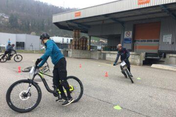 Biketechnik lernen im winterlichen April